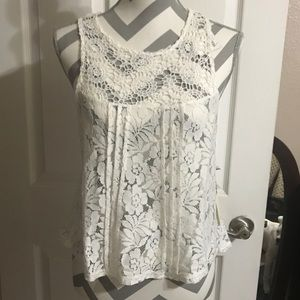 """Forever 21 cute white """"crochet"""" style top"""
